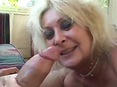 Threesome with Granny and BBW