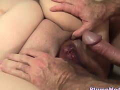 Spitroasted BBW babe enjoys a threesome