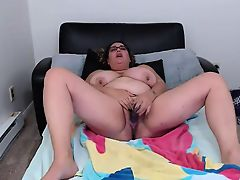 Just a nerdy fun loving H cup squirter Lola Saint James